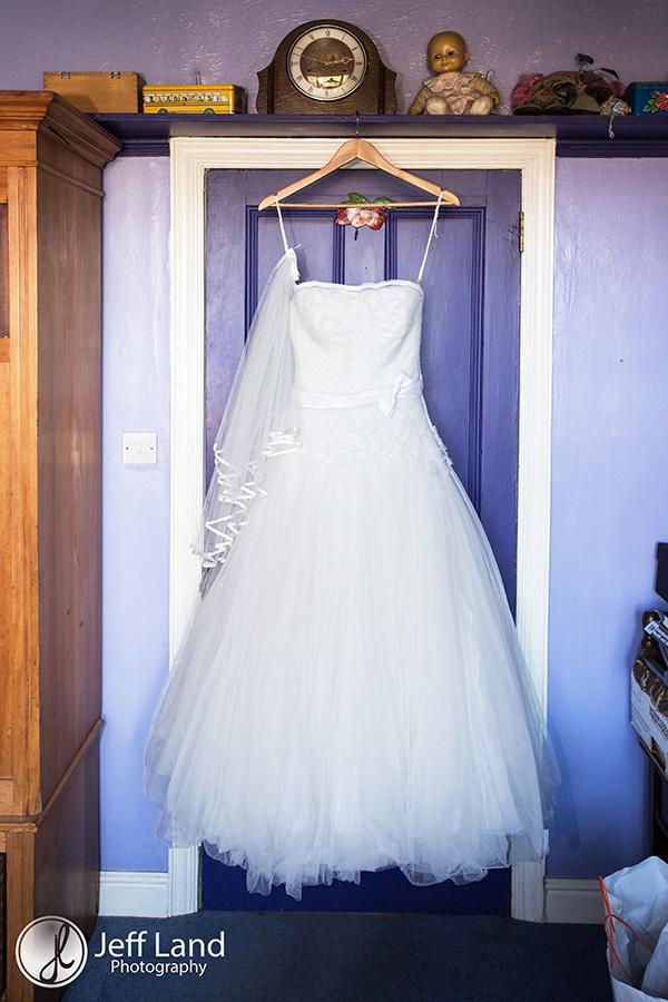 Wedding Photographer, Alveston Pastures Farm, Stratford-upon-Avon, Warwickshire, St James Church, Winter Wedding