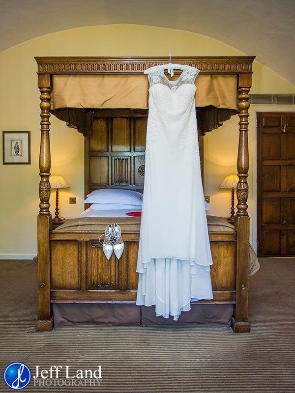 Holy Trinity Church, Macdonald Alveston Manor, Stratford-upon-Avon, Warwickshire, Photographer, Photography, Wedding, White, Bride & Groom