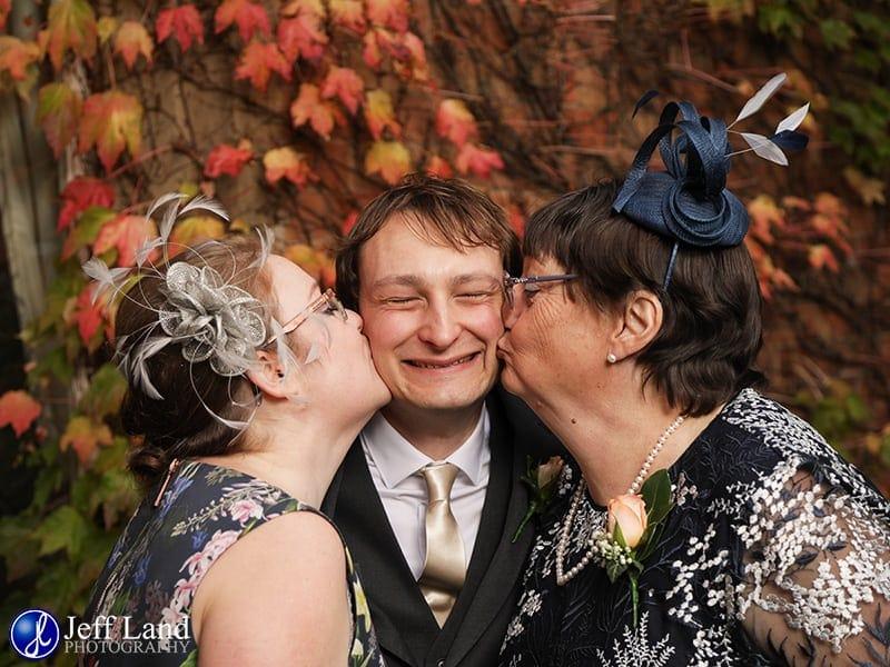 Welcombe Hotel, Wedding, Kiss, Photographer, Stratford-upon-Avon, Warwickshire