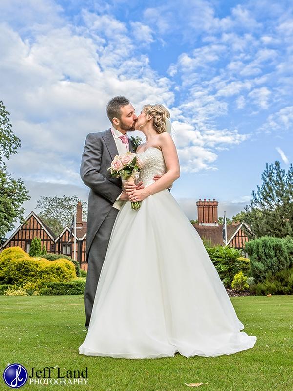 Macdonald Alveston Manor, Wedding. Photographer, Stratford upon Avon, Warwickshire